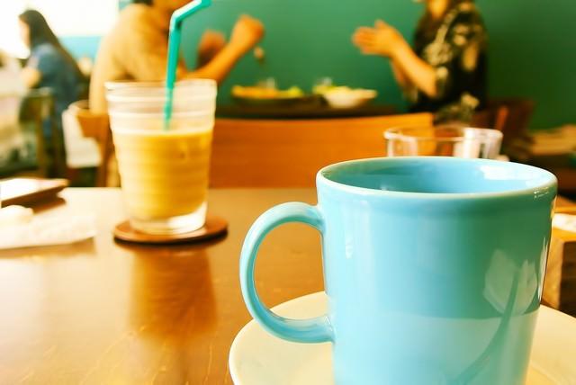 カフェにて一休みの写真