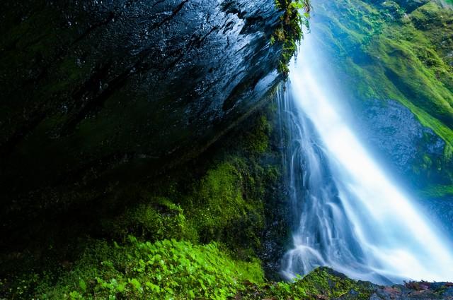 奥多摩の三ツ釜の滝の写真