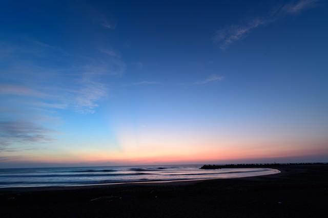 薄明の一宮海岸(千葉県一宮町)の写真