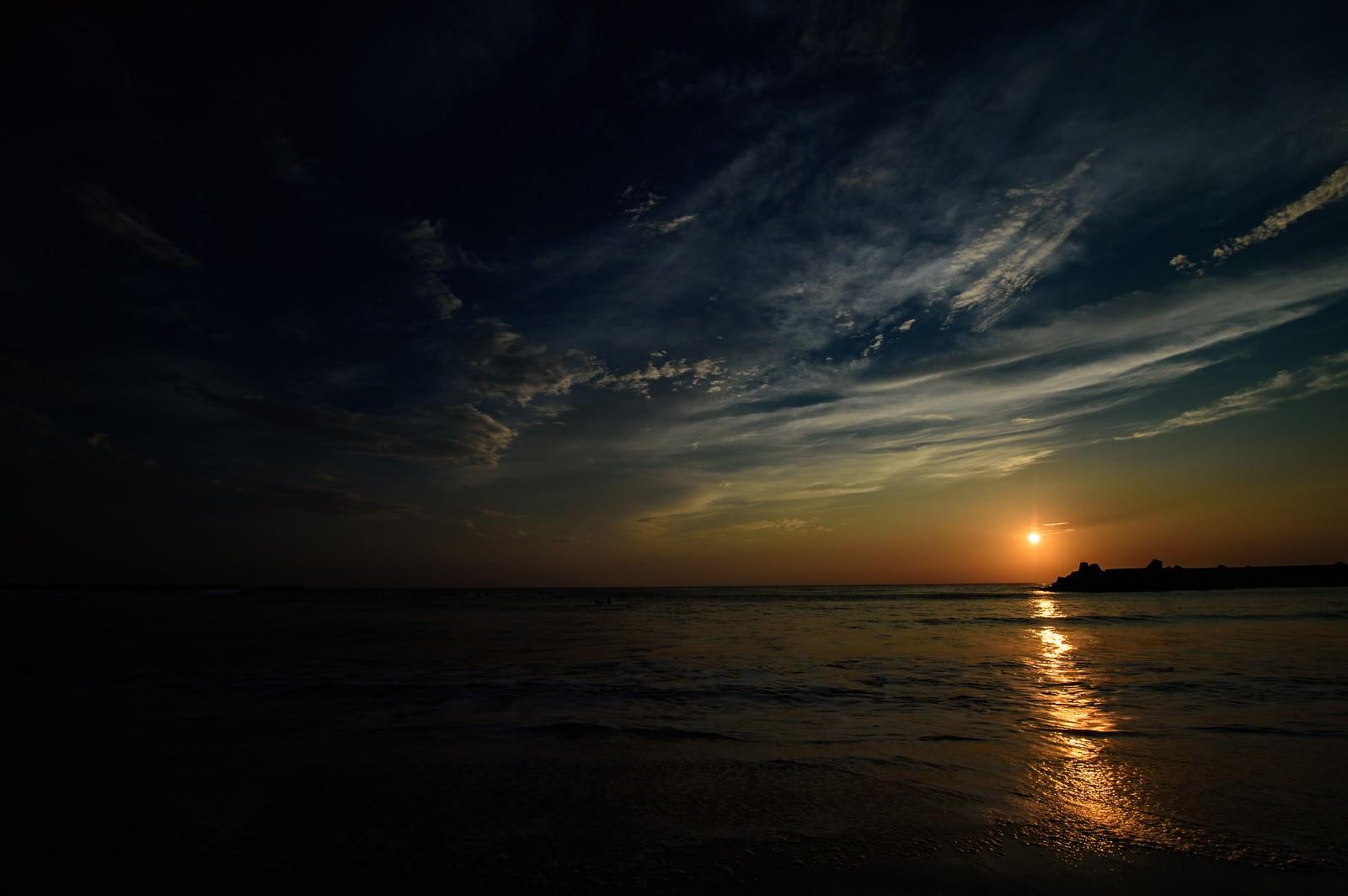 「一宮海岸に浮かぶレイライン(千葉県一宮町)」の写真
