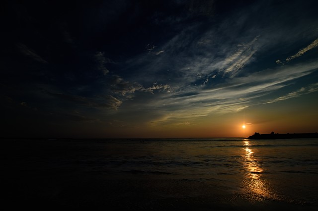 一宮海岸に浮かぶレイライン(千葉県一宮町)の写真