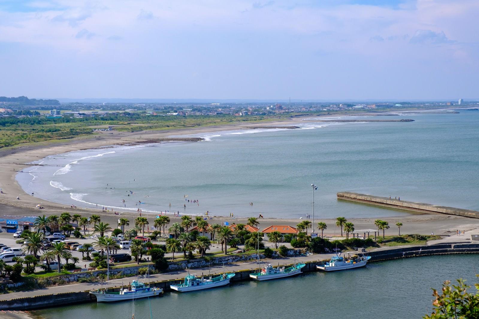 「一宮の街と海を俯瞰した眺め(千葉県一宮町)一宮の街と海を俯瞰した眺め(千葉県一宮町)」のフリー写真素材を拡大