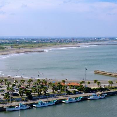 一宮の街と海を俯瞰した眺め(千葉県一宮町)の写真