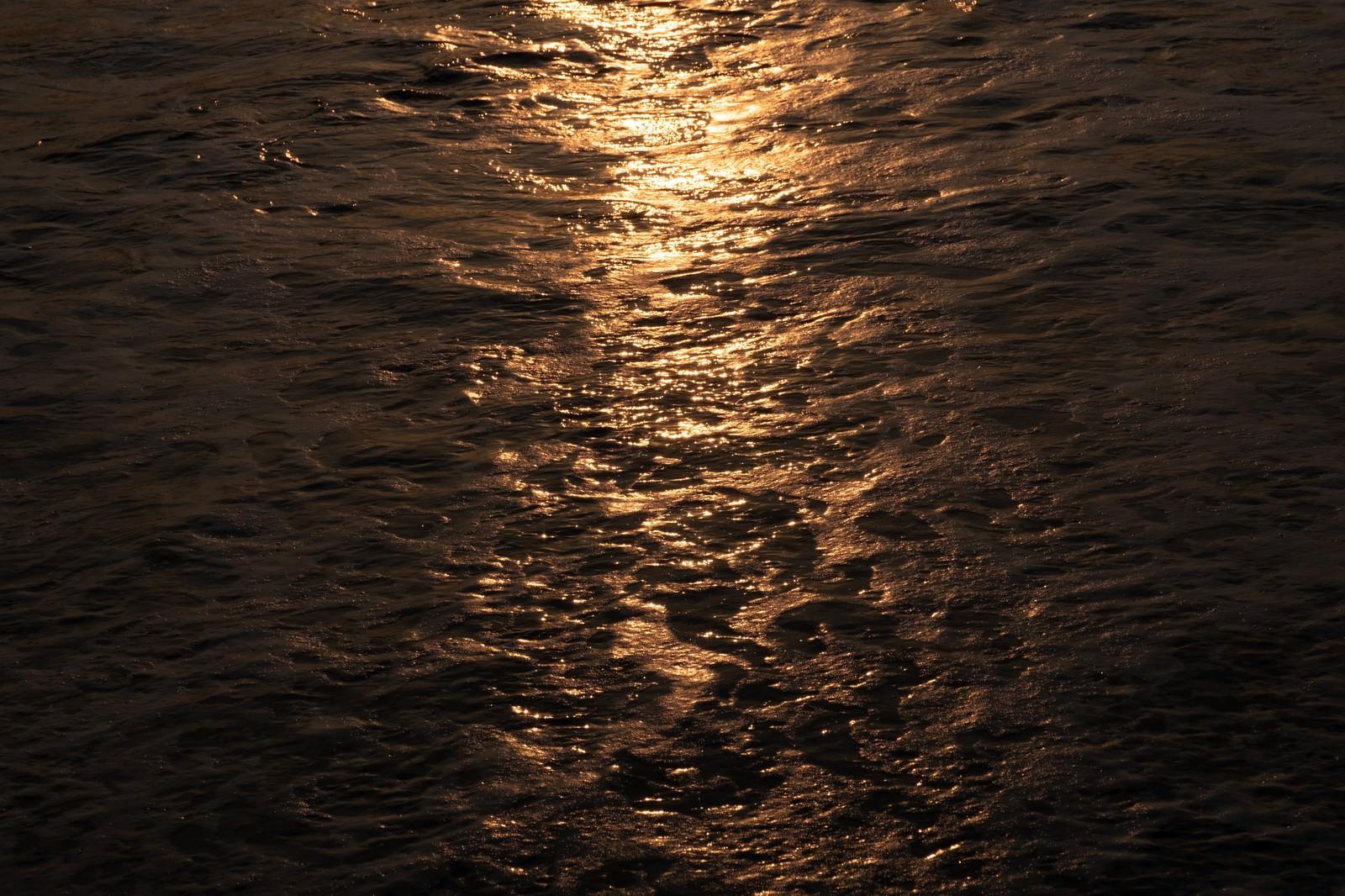 「一宮海岸の海の表情(千葉県一宮町)」の写真