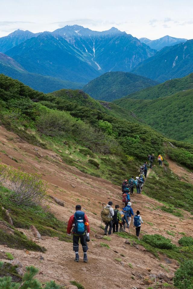 乗鞍新登山道からみる北アルプス稜線の写真