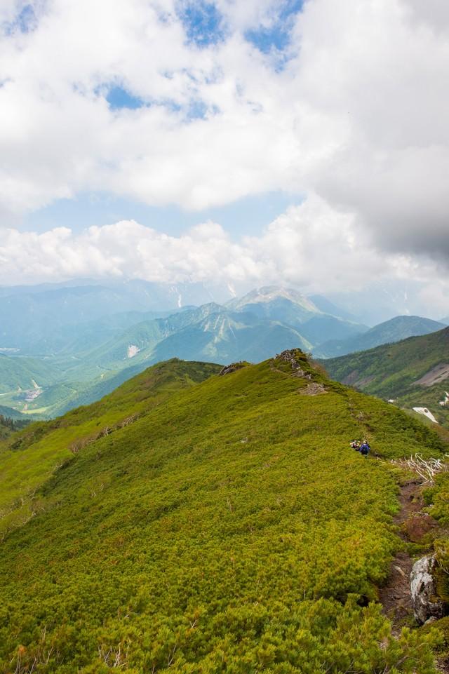 乗鞍新登山道の稜線歩きの写真