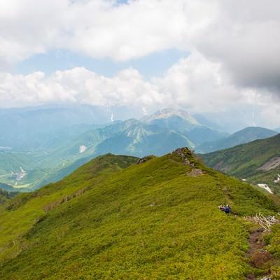 「乗鞍新登山道の稜線歩き」の写真素材