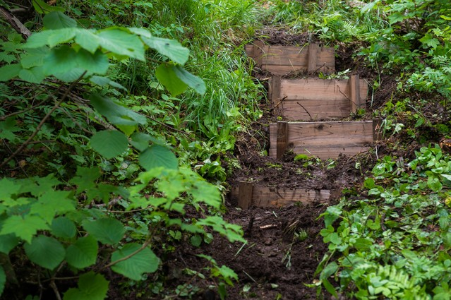 登山愛好家の協力で整備された乗鞍新登山道の階段の写真