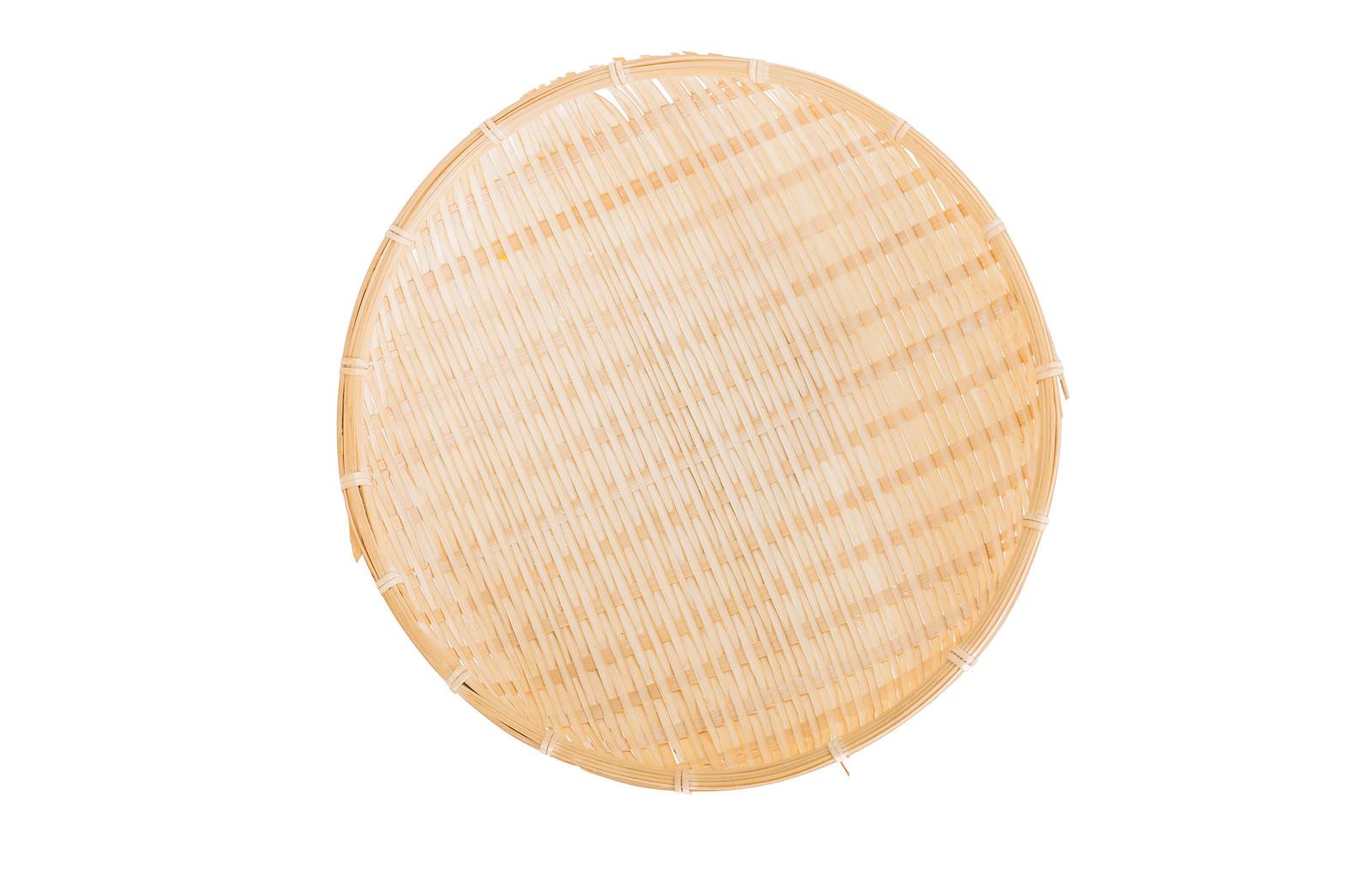 「ざる(水気を切る竹製)」の写真