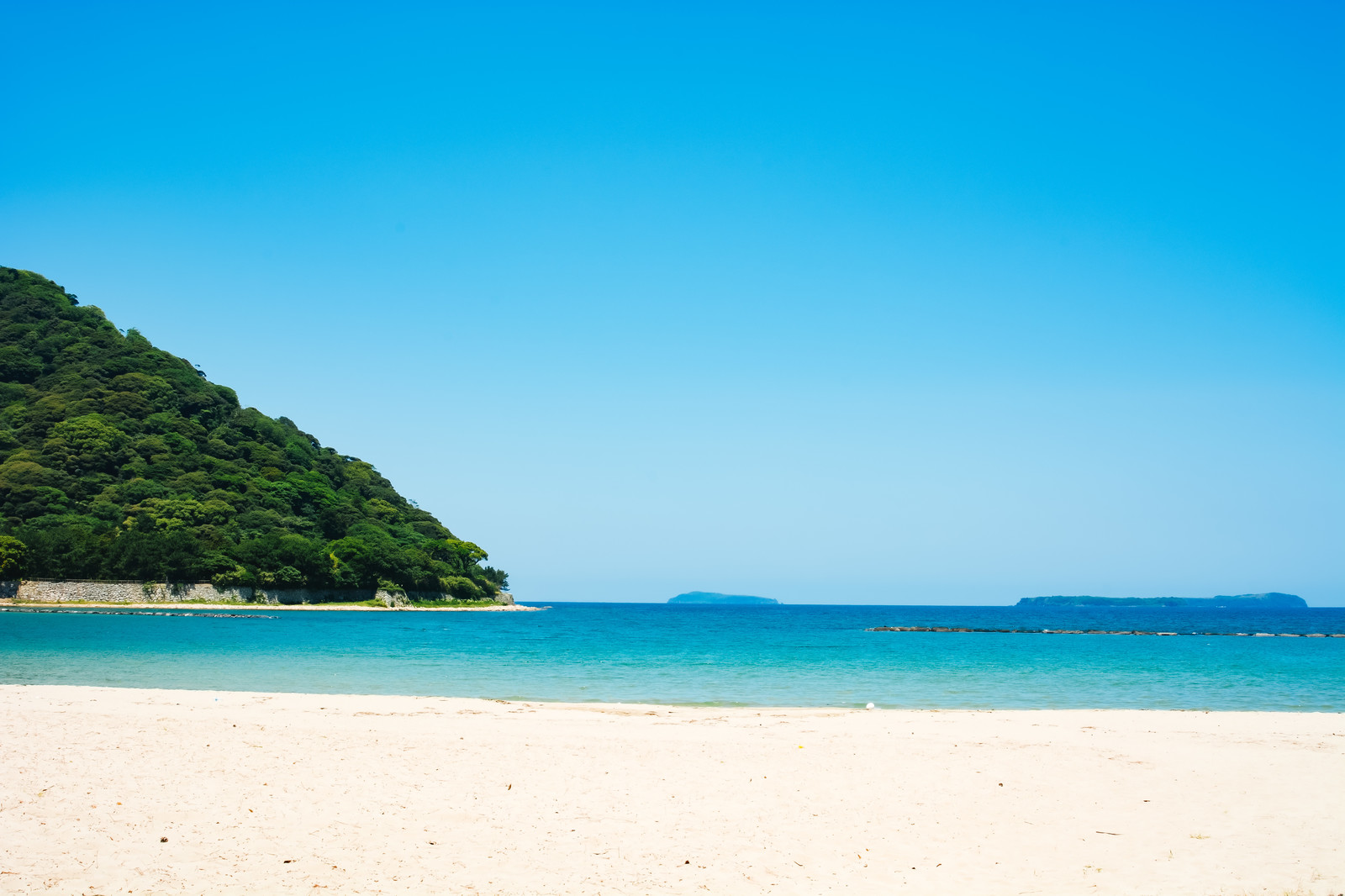 「菊ヶ浜から見る指月山」の写真