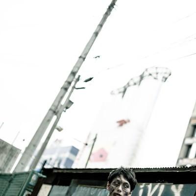 「場末感のあるゾンビ」の写真素材