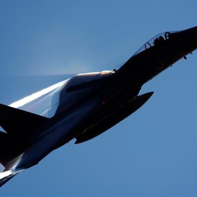 「光を切り裂いて(小松基地F-15)」の写真素材
