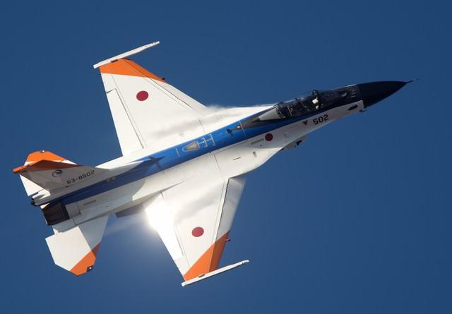 輝きをまとい進む!ADTWのF-2Aの写真
