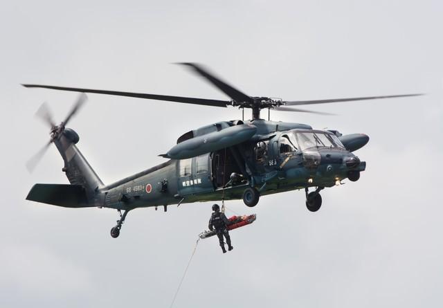 百里救難隊UH-60による、捜索救難の写真