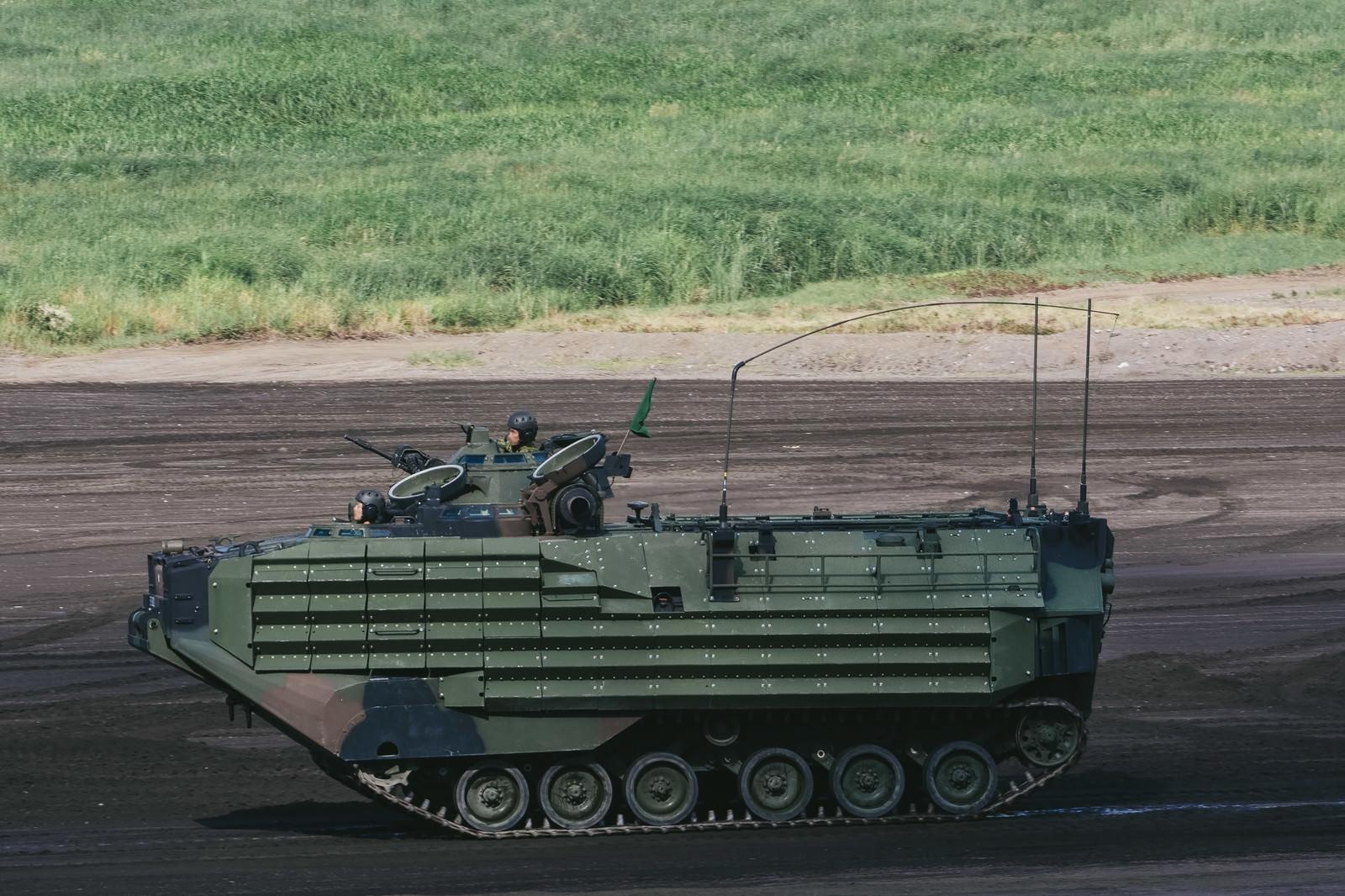 「次世代陸自の新装備! 水陸両用車「AAV」次世代陸自の新装備! 水陸両用車「AAV」」のフリー写真素材を拡大