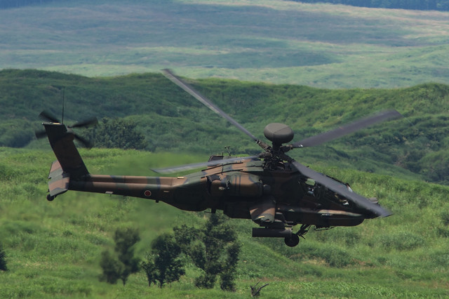 攻撃ヘリコプターアパッチ(AH-64)の写真