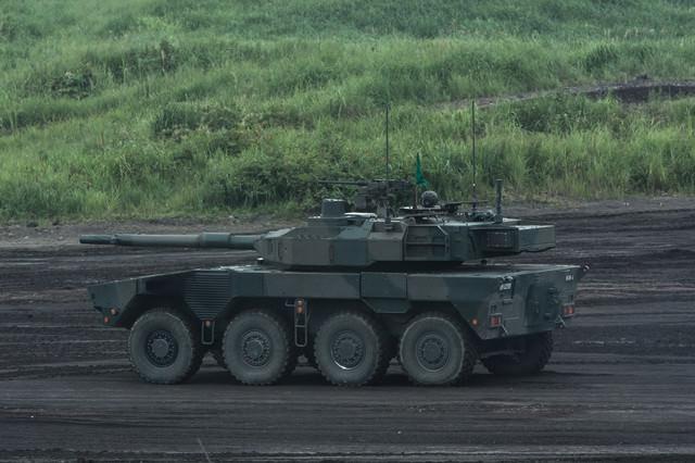 次世代陸自の新装備 16式機動戦闘車(MCV)の写真