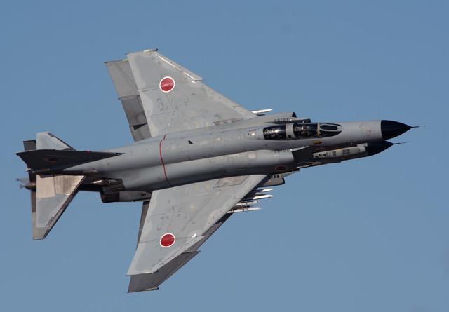重なる姿、支える技術、百里基地301飛行隊のF-4の写真
