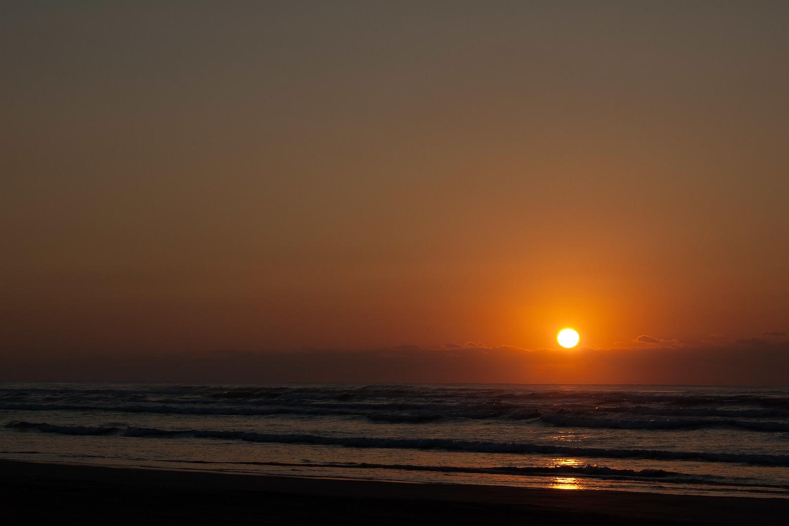 「日本海に沈む夕日」の写真
