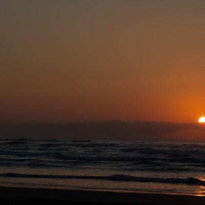 「もうすぐ日が沈む」の写真素材