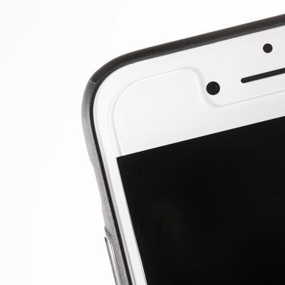 「保護フィルムを貼ったスマートフォン」の写真素材