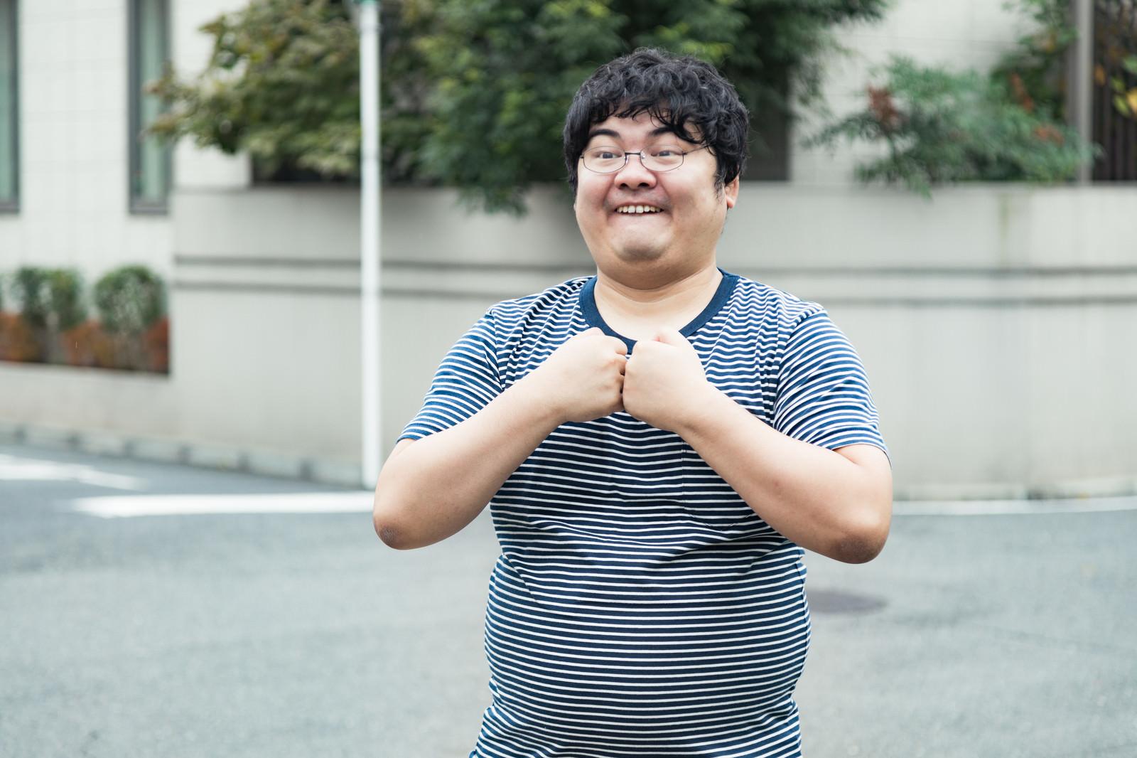 「ワイの必殺技「アクセラレーション・ブースト」をお見舞いしたる」の写真[モデル:段田隼人]