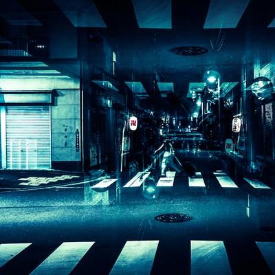 「寝静まった商店街(フォトモンタージュ)」の写真素材