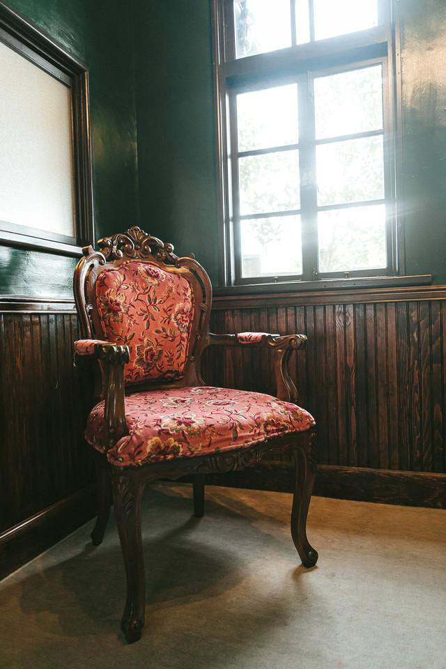 洋室の椅子の写真