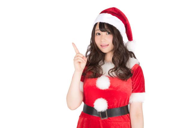 クリスマス商戦はじまり!女性サンタがご案内の写真