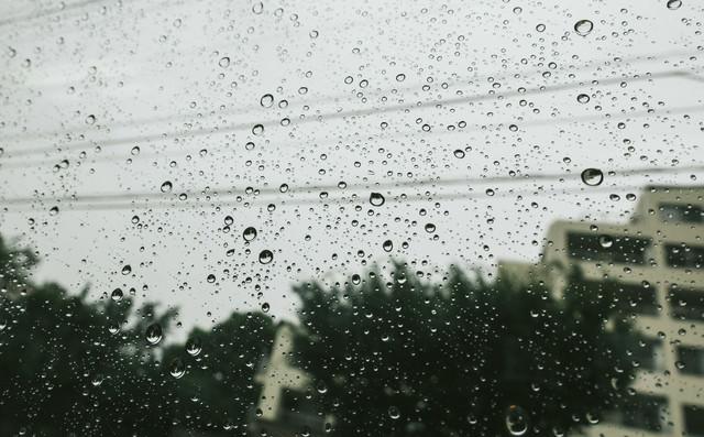夕方にかけて雨の写真