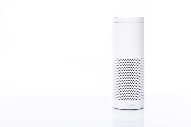 音声アシストが可能なスマートスピーカー(Amazon Echo)の写真