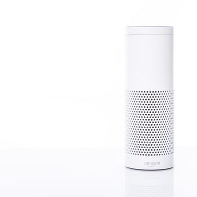 「音声アシストが可能なスマートスピーカー(Amazon Echo)」の写真素材