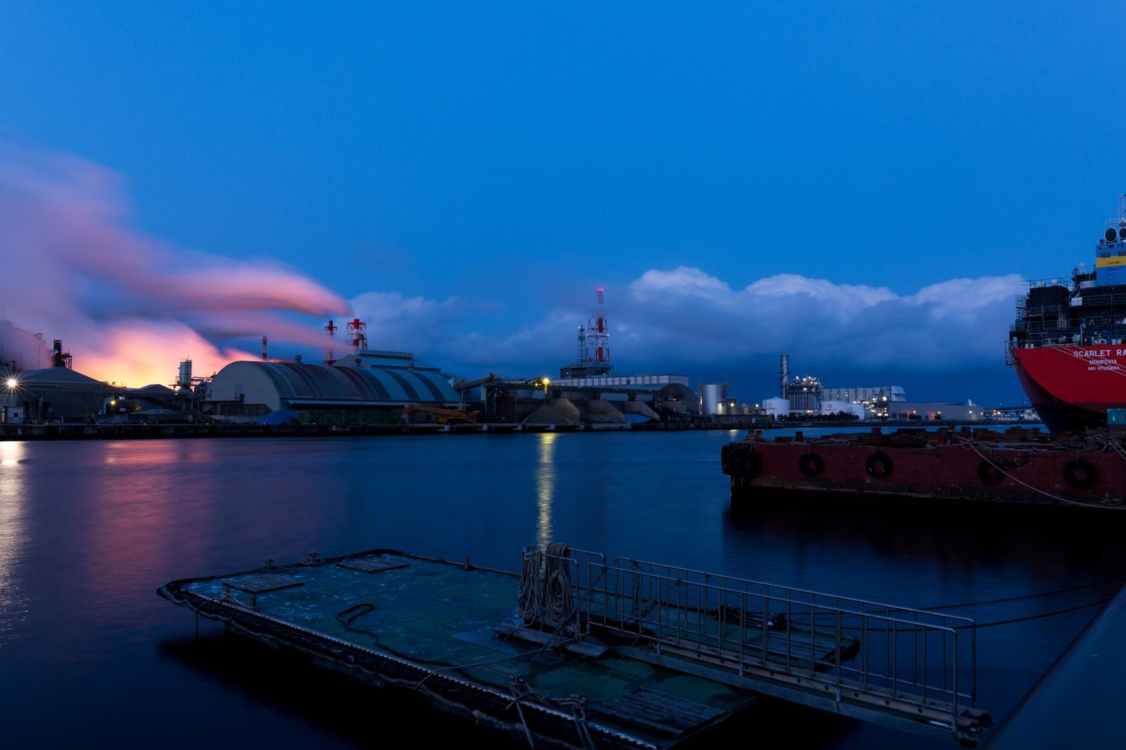 「八戸の工場夕景」の写真