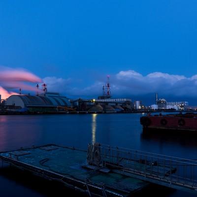 「八戸の工場夕景」の写真素材