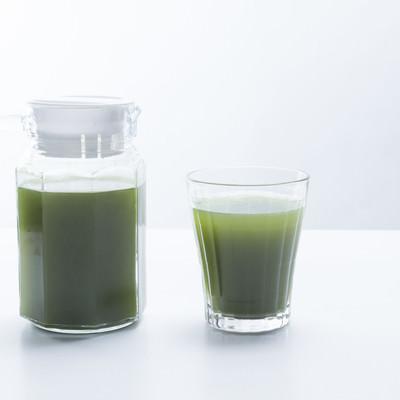 「朝の青汁一杯」の写真素材