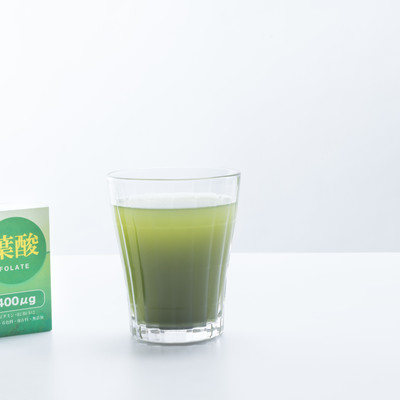 「青汁で葉酸を摂取」の写真素材