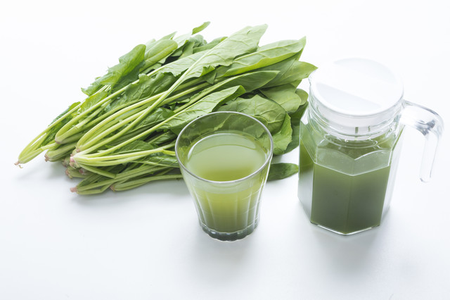 葉物野菜と青汁の写真
