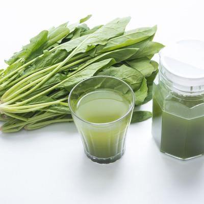 「葉物野菜と青汁」の写真素材