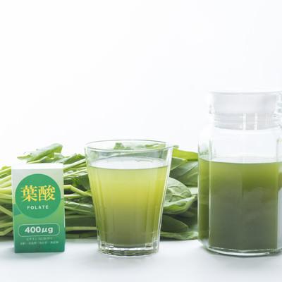 「葉酸を摂るなら青汁を飲もう」の写真素材