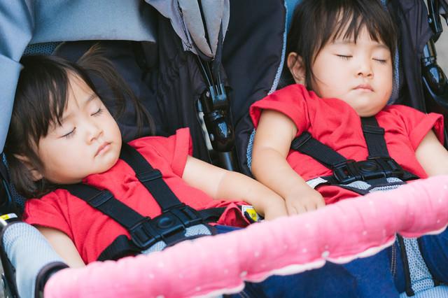 ベビーカーに乗せたままお昼寝の写真