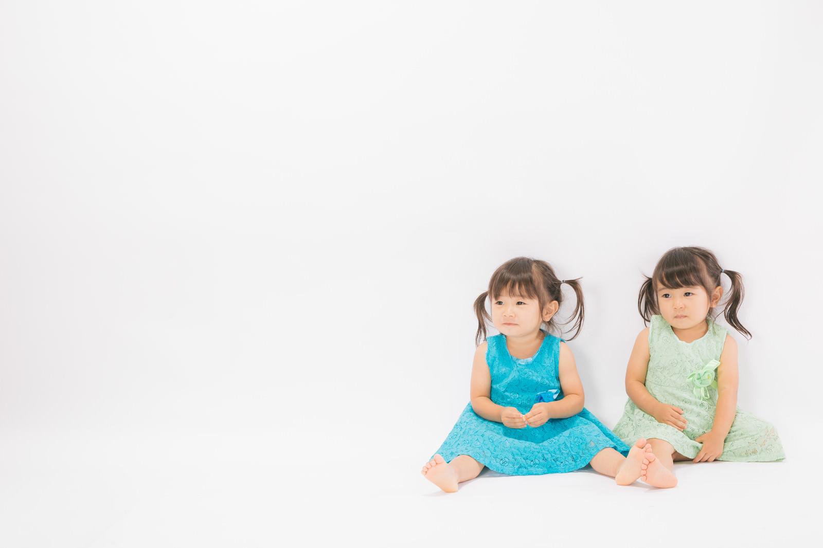 「あおとみどりの双子姉妹」の写真[モデル:あおみどり]