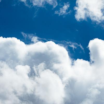 夏空と積乱雲の写真
