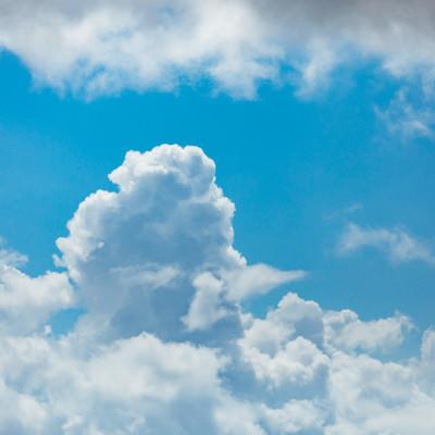 真夏の積乱雲の写真