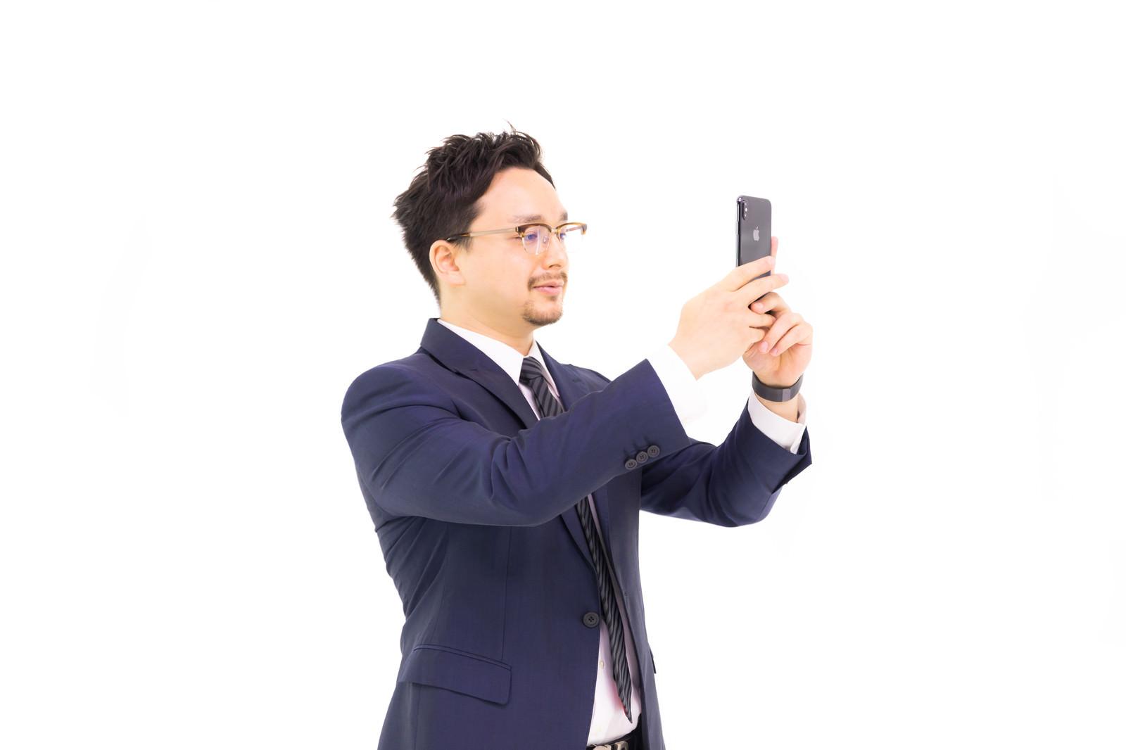 「自撮りポートレートがなかなかできない」の写真[モデル:Max_Ezaki]