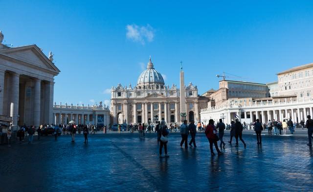 バチカンの美しきサン・ピエトロ広場の写真