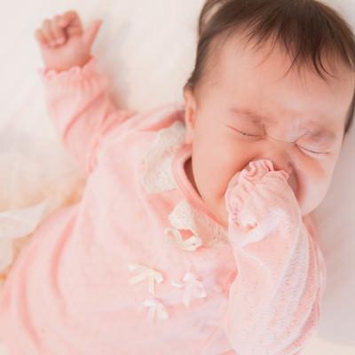 ギャン泣き赤ちゃんの写真