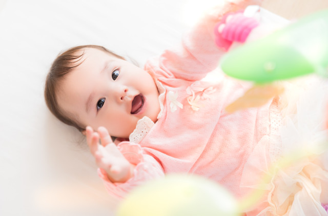 笑顔てんこもりの赤ちゃんの写真