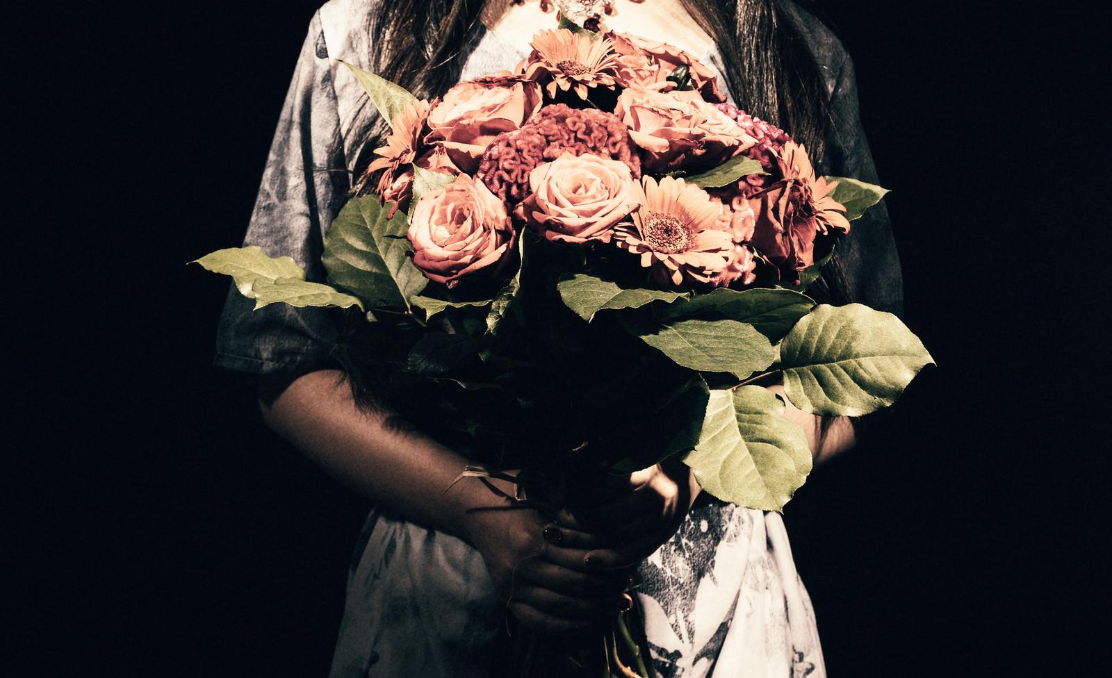 「不吉な薔薇の花束」の写真