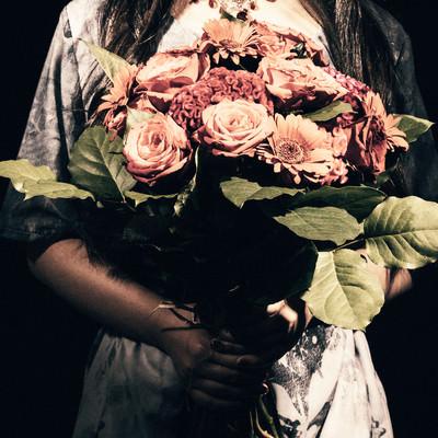 不吉な薔薇の花束の写真