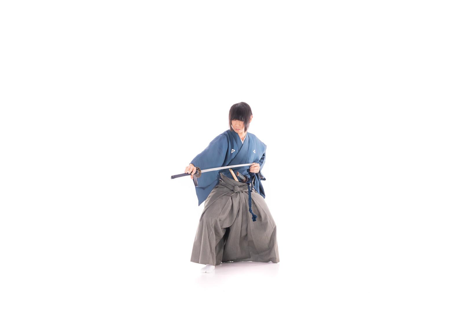 「横納刀」の写真[モデル:まーこ]